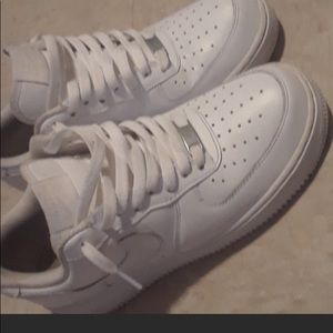 White Air Force one low
